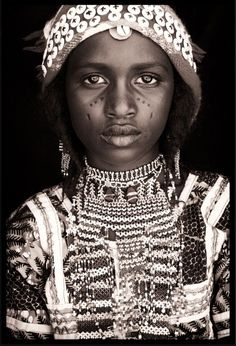 artafrica:  http://www.john-kenny.com/gallery/west-african-societies