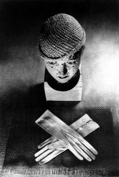 Hat and Glove, Studio ringl + pit (Ellen Auerbach) 1930 via ringlandpit