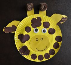 75 Paper plate crafts for kids with pictures. Kids crafts with paper plates for every occasion animals hats activities holidays masks and much Giraffe Crafts, Zoo Crafts, Animal Art Projects, Animal Crafts For Kids, Summer Crafts For Kids, Daycare Crafts, Preschool Crafts, Art For Kids, Projects For Kids