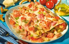 Schnelle Pfifferlings-Lasagne - Die besten Rezepte für Gemüselasagne - Lasagne ist blitzschnell fertig, wenn Sie die Nudelplatten vorher in siedendem Wasser kurz garen. Die Backzeit verkürzt sich damit um mindestens 30 Minuten. Statt der...