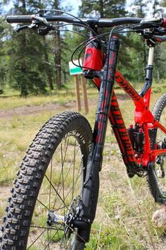 The 2015 Cannondale Trigger Carbon 2 is a part of Cannondale's new Overmountain lineup. All of the Overmountain bikes were designed to provide a Montain Bike, Bike Seat Cover, Power Bike, Bike News, Buy Bike, Remo, Bike Style, Bicycle Design, Cycling Bikes