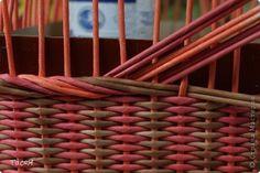 Поделка изделие Плетение Подносики-разносики и др Трубочки бумажные фото 12: