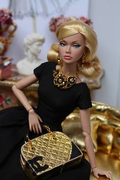 Poppy Parker ♡ http://www.pinterest.com/lilyriverside/barbie-fashion-doll/
