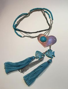 Jewelry, necklaces, bracelets, earings made of rosequarz, amethyst, silver, aquamarine, pearls.