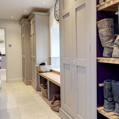 8 country-style boot room designs Design yourself a well-organised boot room with plenty of practical storage to act as a stylish transitional space for just-out-of-the-rain coats and muddy wellies Mudroom Laundry Room, Laundry Room Design, Mudroom Cabinets, Tall Cabinets, Cupboards, Kitchen Design, Boot Room Utility, Boot Storage, Storage Room