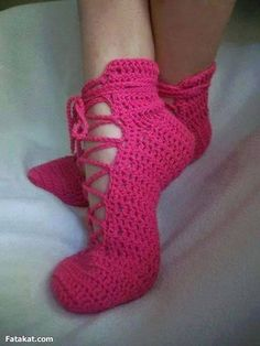 . Crochet Boots, Crochet Slippers, Knit Crochet, Crochet Ripple, Slipper Socks, Leg Warmers, Free Pattern, Crochet Patterns, Knitting
