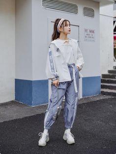 Korean Girl Fashion, Korean Street Fashion, Cute Fashion, Asian Fashion, Korean Airport Fashion Women, Vintage Street Fashion, Asian Street Style, Korean Outfit Street Styles, Korean Outfits