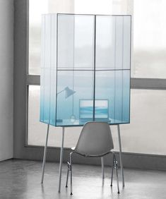 The Fading Desk by design student Thijmen Van Der Steen is a modern workspace perfect for both an open-concept professional setting and a home office alike. Glass Furniture, Design Furniture, Cabinet Furniture, Table Furniture, Living Room Furniture, Home Furniture, Bureau Design, Office Interiors, Contemporary Furniture