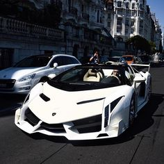 White Veneno • Follow @bulls_motorsports • • For more exclusive content • • www.Madwhips.com ____________________________ • Photo by : @cars_in_zurich •