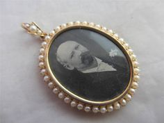 Antique Victorian 15ct Gold & Seed Pearl Mourning Pendant Locket 8595