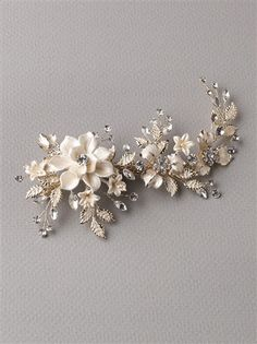 Bridal clip features ivory enamel flowers accented with frosted leaves and sparkling rhinestones. Gold Hair Accessories, Bridal Accessories, Bridal Jewelry, Hair Comb Wedding, Floral Hair, Bridal Headpieces, Or Rose, Rose Gold, Hair Accessory