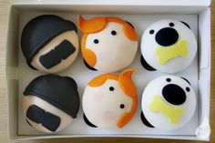 Tintin Cupcakes by Iced Over Cakes, via Flickr