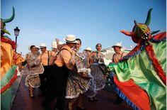 Vejigantes & Dancers