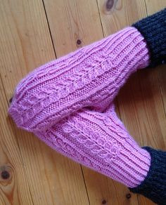 Ravelry: theRenate's Anitaz Mittens (2013)
