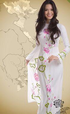 Kiểu họa tiết áo dài Hoa hậu Việt nào cũng phải có - Thời trang - Báo Phụ nữ