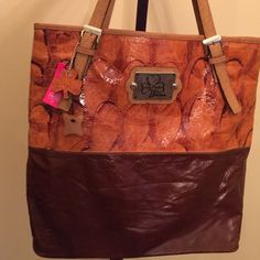 IMPORTED FROM MEXICO GENUINE LEATHER PURSE Brand new perfect condition. Genuine mexican leather.  Never worn. Tags attached. Bags