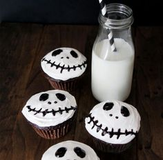 these adorable jack skellington inspired cupcakes are perfect for a sweet halloween treat these would make a great classroom dessert idea - Halloween Inspired Cupcakes