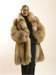 fur fashion directory is a online fur fashion magazine with links and resources related to furs and fashion. furfashionguide is the largest fur fashion directory online, with links to fur fashion shop stores, fur coat market and fur jacket sale. Fur Fashion, Fashion Photo, Retro Fashion, Fabulous Fox, Fur Clothing, Vintage Clothing, Vintage Fur, Vintage Stuff, Fox Fur Coat