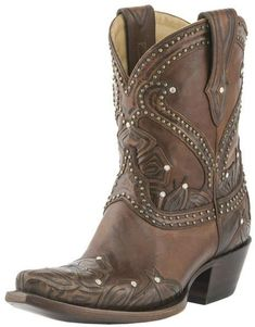 Lucchese Tooled Petal Boots from Pittsburgh by Roberta Weissburg Leathers — Shoptiques Lv Shoes, Cute Shoes, Me Too Shoes, Shoe Boots, Country Boots, Western Boots, Western Wear, Short Cowboy Boots, Shoes