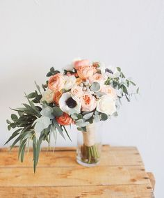 Are you thinking about having your wedding by the beach? Are you wondering the best beach wedding flowers to celebrate your union? Here are some of the best ideas for beach wedding flowers you should consider. Deco Floral, Arte Floral, Floral Design, Sage Wedding, Floral Wedding, Wedding Flowers, Floral Bouquets, Wedding Bouquets, Fresh Flowers