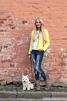 Outfit: Yellow Blazer, Distressed Jeans & Grey Booties! | Feel Wunderbar Yellow Blazer, Grey Booties, Jean Grey, Westies, Distressed Jeans, Cool Style, Booty, Chic, Jackets