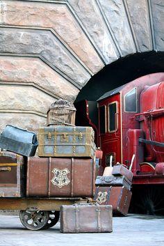 Hogwarts Express  WWOHP    Universal & IOA - Dec 2011, via Flickr.