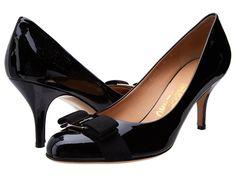 SALVATORE FERRAGAMO Suede Mid-Heel Pump. #salvatoreferragamo #shoes #