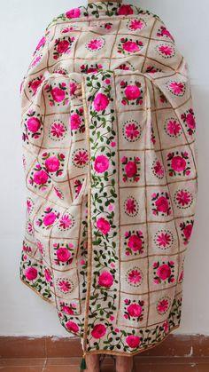 Chanderi Gota Check Beige and Magenta Hand Embroidered Phulkari Dupatta Phulkari Punjabi Suits, Phulkari Pants, Phulkari Saree, Phulkari Embroidery, Embroidered Kurti, Embroidery Suits, Punjabi Fashion, Indian Fashion, Kurta With Pants