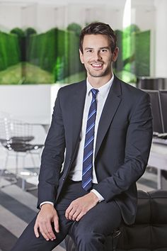 Corporate portrait ideas - seated pose #corporate #portrait #seated #man