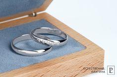 Обручальные кольца из платины - символ настоящей чистой любви. #rings #brilliant #обручальноекольцо #кольцо #jewelry #platinum #PlatinumLab #обручальныекольца #wedding #ring #diamonds #jewellery #wood