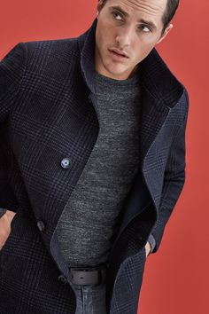 BUGATTI FALL/WINTER 2016 | Understatement with a special twist– please meet the perfect companion for smart business looks and trendy casual styles! A woolen checked coat in classical #navy shouldn't be missed in a modern man's wardrobe this season! #bugattifashion #FW16 #menswear #newseason #coat