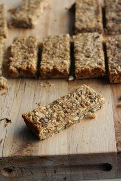 Soft Peanut Butter Banana Oat Bars - Clockwork Lemonhomemade energy bars