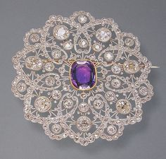 Exquisite platinum  and diamond Edwardian brooch