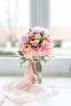 Ein Hochzeitstraum aus Rosa & Gold  DIANA FROHMÜLLER http://www.hochzeitswahn.de/inspirationsideen/ein-hochzeitstraum-aus-rosa-gold/ #wedding #marriage #flowers