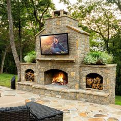 Newest Screen Brick Fireplace with tv above Tips BlueSpeed AV Outdoor TV above Fireplace BlueSpeed AV Outdoor TV above Fireplace… Outdoor Fireplace Plans, Outdoor Stone Fireplaces, Outside Fireplace, Outdoor Fireplace Designs, Backyard Fireplace, Brick Fireplace, Fireplace Ideas, Outdoor Living Areas, Outdoor Rooms