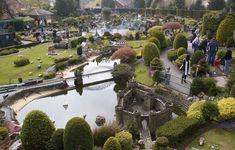 Bekonscot Model Village, England http://upload.wikimedia.org/wikipedia/commons/9/9c/General_view,_Bekonscot.JPG