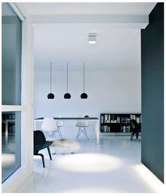 minimal white & black