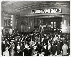 At its peak, #UnionTerminal saw 34,000 people per day pass through.  This picture of the #train concourse in late #1944 speaks to the crowds common during the last two years of the war.