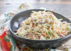 Sweet and Tangy Southern Style Coleslaw is nicely balanced with just enough tang from the vinegar and a sprinkling of sweetness from the sugar. The dressing is Classic Coleslaw Recipe, Coleslaw Recipe Easy, Homemade Coleslaw, Creamy Coleslaw, Salsa Recipe, Best Southern Coleslaw Recipe, Coleslaw Recipes, Recipe Spice, Salads