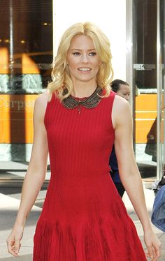 Elizabeth Banks in Alexander McQueen via Tom & Lorenzo--Is that a Peter Pan necklace?! #fashion #actors