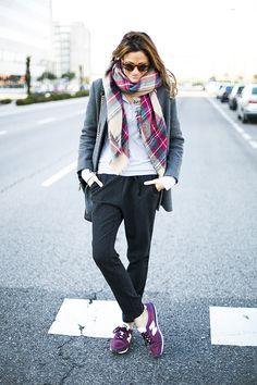 Tartan - burgundy new Balance - black jogging pants