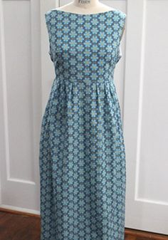 My boat neck Washi maxi in Anna Maria Horner voile. Clothing Patterns, Sewing Patterns, Sewing Ideas, Washi Dress, Flattering Dresses, Hemline, Casual, Summer Dresses, Dress Ideas