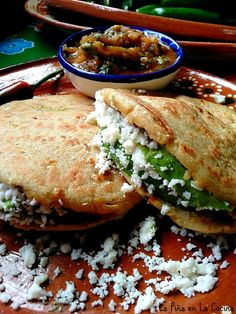 Food Recipes From Mexico Mexican Snacks, Real Mexican Food, Mexican Dishes, Mexican Food Recipes, Ethnic Recipes, Masa Recipes, Mexican Street Food, Sashimi, Gorditas Recipe Mexican