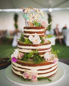 You really just want to have an amazing party with your family and friends—nothing too extravagant. Match the fun vibe of your wedding by serving a frosting-free naked cake that's just as low-key and fancy-free as you are.