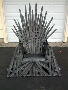DIY Iron Throne make your own Iron Throne for your next Game of