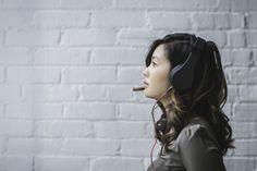 3 podcasturi de beauty pe care trebuie să le asculți