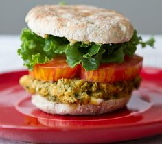 Lemon Herb Veggie Burger. I know I will have a hard time convincing meat eaters that Veg burgers are just as good as the real thing, Veg burgers are awesome.