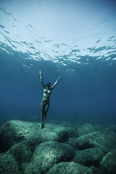 Hold your breath & enjoy #underwater world