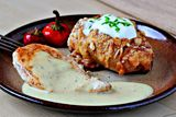 Scalloped Hasselback Potatoes by Zoomyummy. They are fancy baked potatoes. They are fun to make and they are fun to eat too. They are full of butter,cheese, and cream deliciousness. Vegetable Dishes, Vegetable Recipes, Vegetarian Recipes, Cooking Recipes, Batatas Hasselback, Hasselback Potatoes, Baked Potatoes, Cena Formal, Tasty