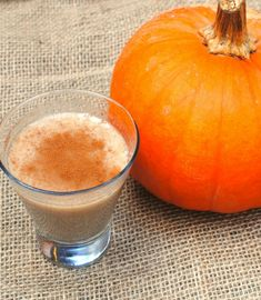 This pumpkin White Russian cocktail is perfect for your Thanksgiving and holiday celebrations.